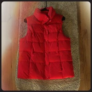 Red Old Navy quilted vest